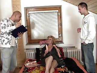 Two Delivery Dudes Fuck Slender Matures Woman