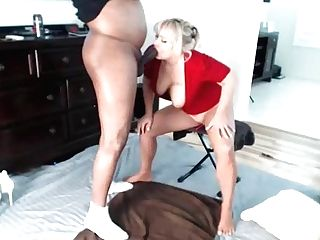Horny Cougar Give Bj While Masturbating