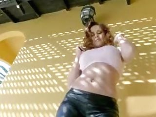Twistys Hard -cougar Sabrina Cyns Fellates Knob In The Kitchen