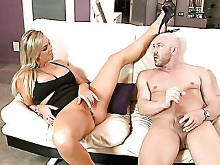 Skillful Blonde Cougar Abbey Brooks Likes Hot Make-out With Will Powers