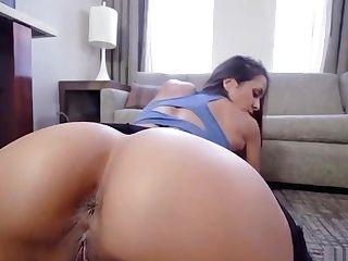 Round Bootie Latina Stepmom Needed A Palms On Workout