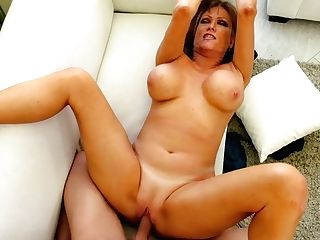 Cougar Darla Crane Fucks Her Mind-blowing Youthfull Stepson