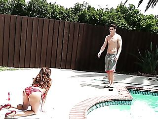 Sexy Bitch Francesca Le Is Taking Sun Bath And Sucking Dick Near The Pool